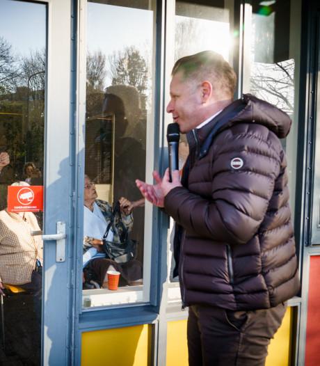 Bloemen, taart en polonaise: Den Haag zet van familie verstoken ouderen spontaan in het zonnetje