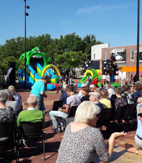 Heeswijk en Dinther vieren samen feest op nieuw plein én op 50 jaar Heeswijk-Dinther