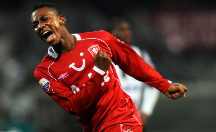 Eljero Elia in 2008 scorend voor FC Twente.