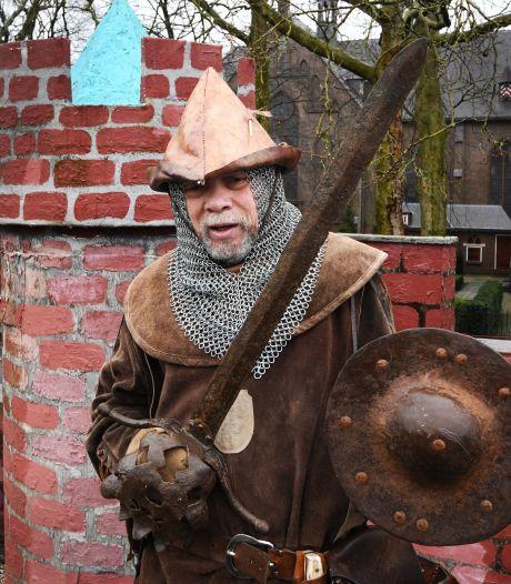 Met zijn schip vaart Lenny (69) door heel Europa: 'Ik speel niet dat ik een ridder ben, ik bén ridder'