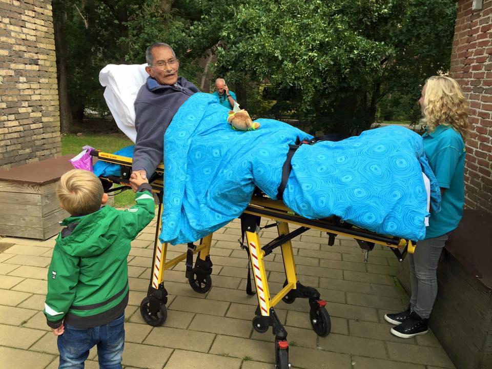 Opa wilde graag nog één keer met zijn kleinkinderen naar de Efteling