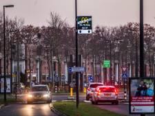 Snackoorlog in Deventer: McDonald's 'plaagt' Van Gurp met reclameborden nabij snackbar