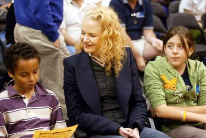 L'actrice Nicole Kidman, entourée des deux enfants adoptés avec son ex-mari Tom Cruise, Connor et Isabella.