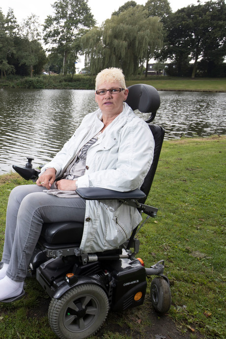 Gerda zoekt de vissers die haar leven gered hebben in Ede