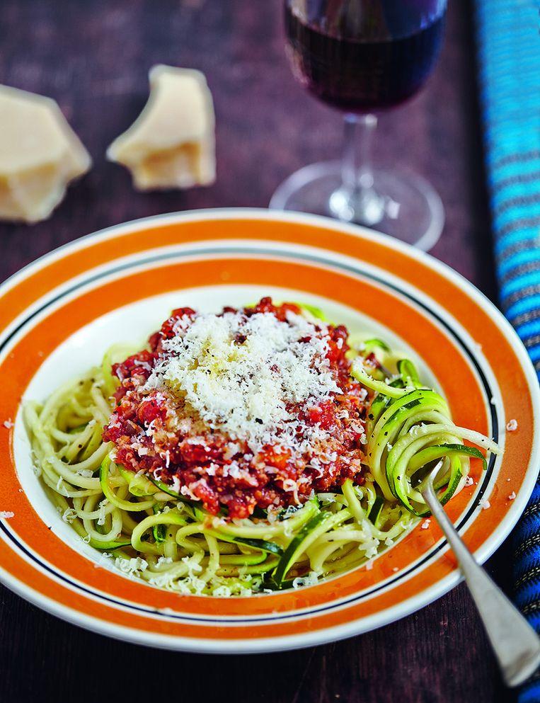 'Courgetti', spaghetti van gesneden courgette. Beeld Nick Hopper