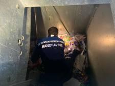 Dikke tranen van geluk: trouwring uit papiercontainer gered