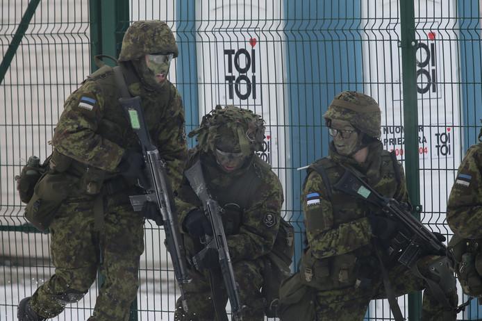 NAVO-troepen tijdens een oefening in de Baltische staten.