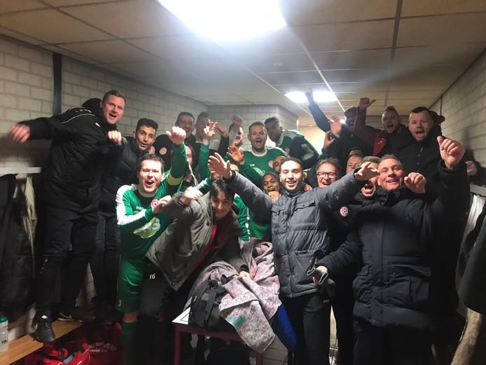 MASV viert de overwinning in het bekertoernooi tegen eersteklasser Nunspeet.