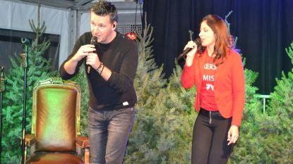 Sasha en Davy stellen kerst-cd voor in 'Huis van de Kerstman'