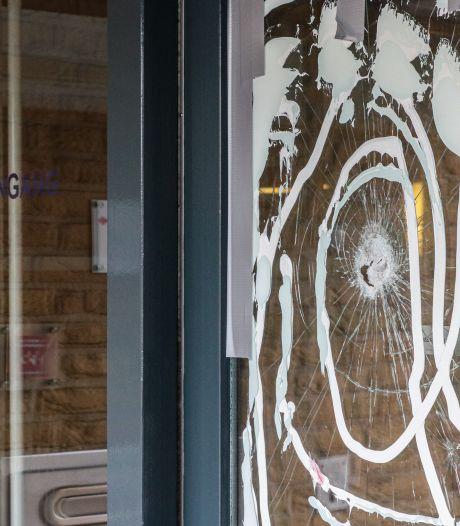 35.000 euro schade aan gemeentehuis Urk na vernielingen jongeren