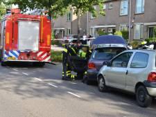 Vrouw door hulpverleners uit auto gehaald na botsing in Etten-Leur