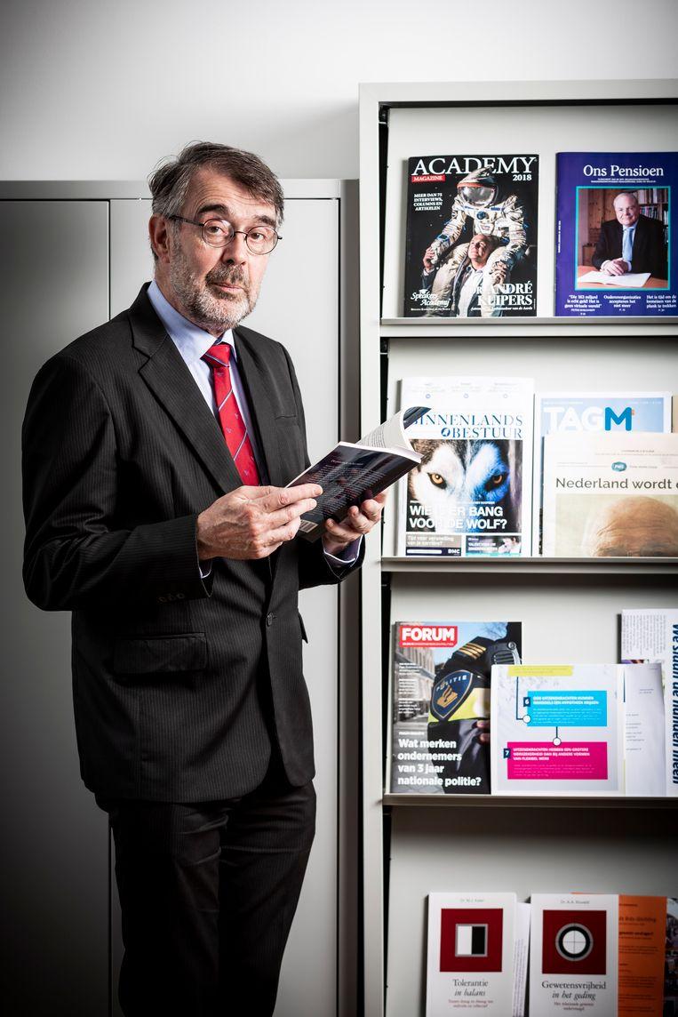 Richard de Mulder, de voorzitter van het wetenschappelijke bureau van 50Plus. Beeld Freek van den Bergh/de Volkskrant