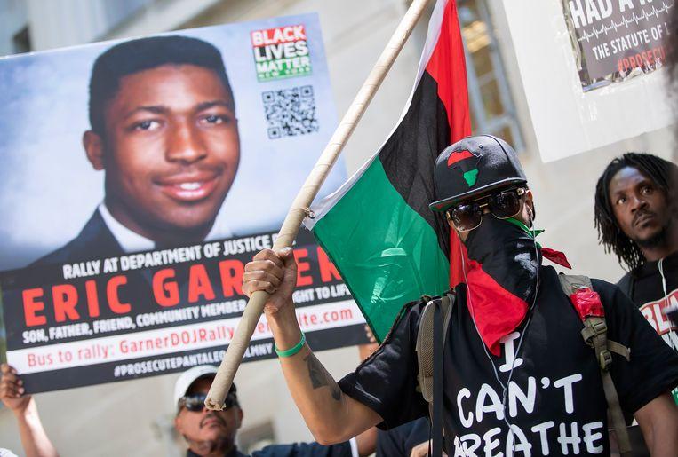 Demonstranten eisten in juli in Washington dat agent Daniel Pantaleo wordt aangeklaagd.  Beeld EPA