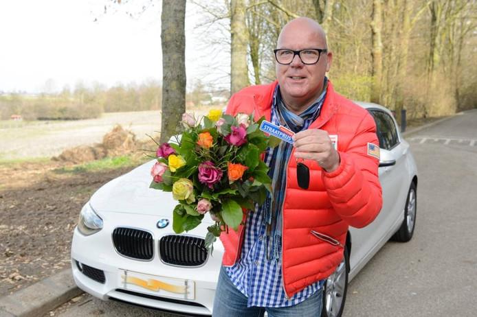Gaston was woensdag op bezoek in Uden-Zuid om 7,5 ton een een BMW weg te geven.