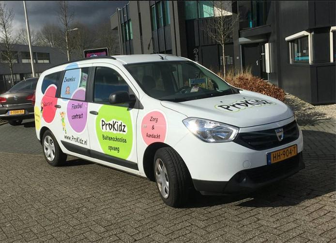 Een foto van de inmiddels gestolen wagen van BSO proKidz in Tilburg-Zuid.