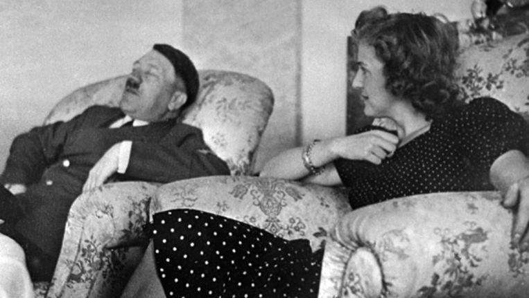 Adolf Hitler en Eva Braun. Beeld AFP