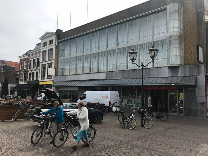 Het voormalige V&D-pand in Dordrecht.