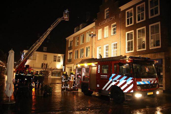 Brand aan de Markt in Middelburg.