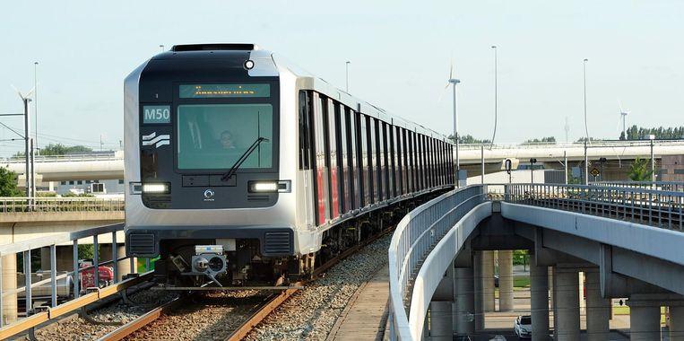 De bedreiging vond plaats in metrolijn 50 in de buurt van Sloterdijk. Beeld ANP