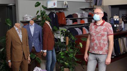 """Stock van kledingwinkel Nuyts Heren wellicht grotendeels onbruikbaar na zware brand bij buren: """"Zelfs na het ontgeuren zal de rookgeur niet helemaal weg zijn"""""""