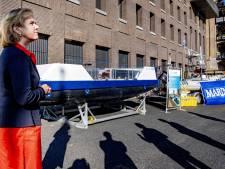 Eerste elektrische duwboot gaat vuilnis ophalen in Delft: 'Hij zou zelfs onbemand kunnen varen'