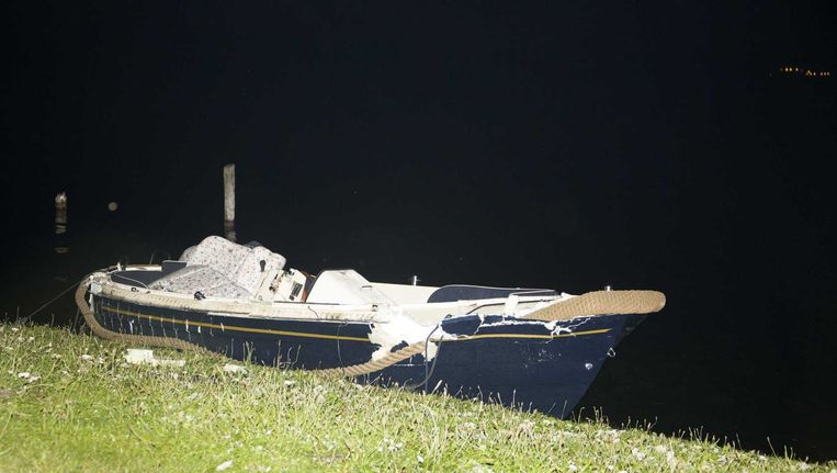 Een van de boten die is betrokken bij het fatale ongeluk. Beeld null