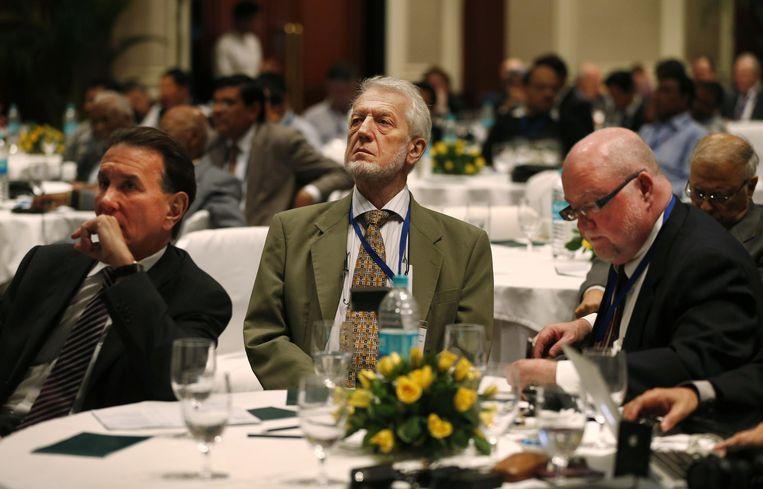 Deelnemers aan de asbestconferentie in New Delhi. Links David Bernstein. Beeld ap