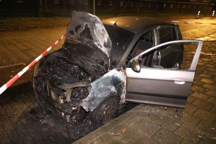 De autobrand in de Arnhemse wijk Presikhaaf.