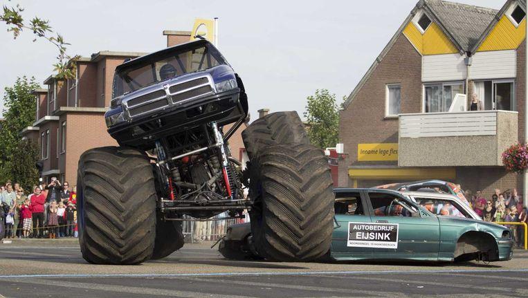 De monstertruck in Haaksbergen, vlak voor het ongeluk. Beeld anp