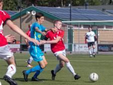 3B: Rode kaart Molenaar bij teleurstellende derby Advendo'57-Blauw Geel'55