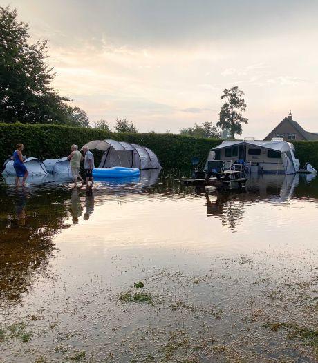 Plotseling noodweer veranderde deze Veluwse camping in een zwembad: 'We konden nergens heen'