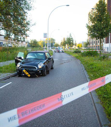 Bestuurder vlucht na ongeluk in Zwolle