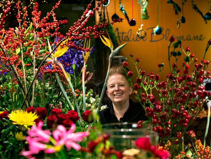 Sabrina Koppenens van bloemenzaak atelier Blomane in Stiphout.