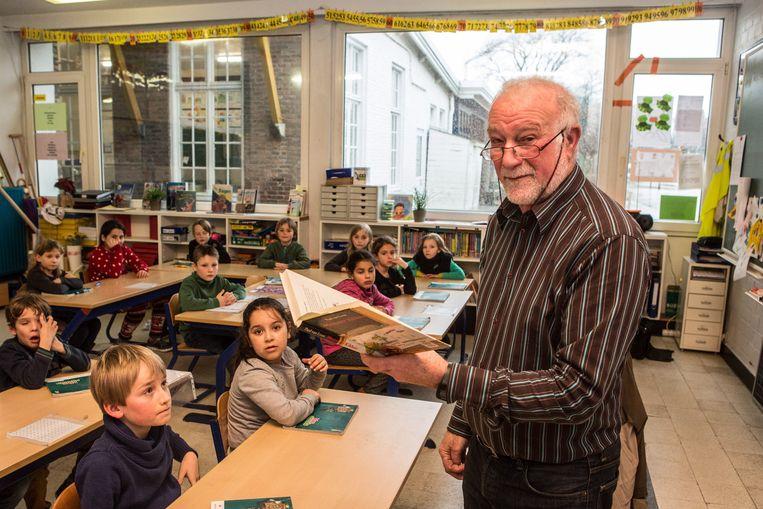 Afbeeldingsresultaat voor gepensioneerde leraren voor de klas