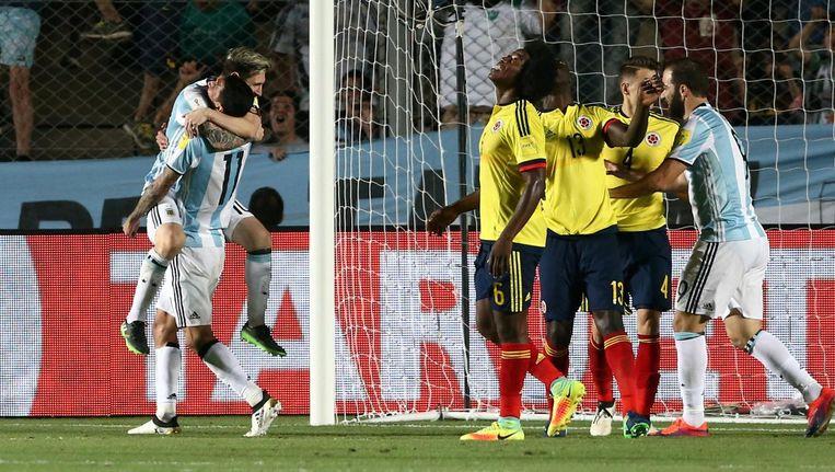 Argentinië viert de overwinning. Beeld reuters