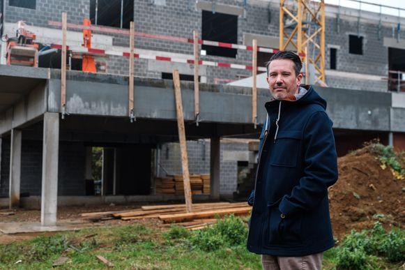 Toekomstig directeur Geert Heymans opent de nieuwe kleuter- en lagere school GO! Blik vanaf 1 september.