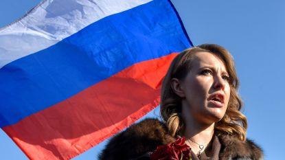 'Russische Paris Hilton' snoept  stemmen voor Poetin