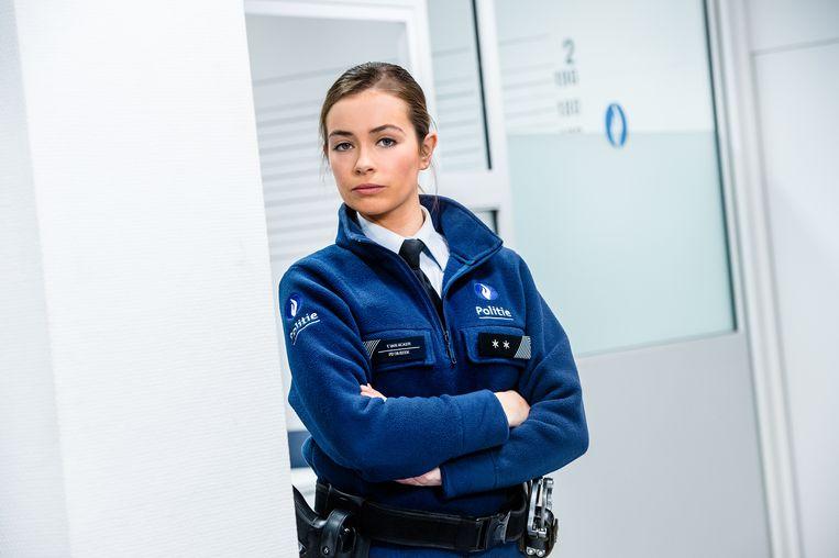 Echte Verhalen: De Buurtpolitie, seizoen 8 vanaf maandag 28 augustus 2017 elke weekdag bij VTM. Op de foto: Femke (Dorien Reynaert).