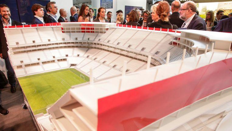 De maquette van het Eurostadion werd een klein jaar geleden aan de pers voorgesteld.