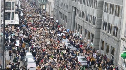 """35.000 klimaatbrossers overspoelen Brussel: """"Wij slaan de lessen over, maar jullie hebben het verzorgen van onze planeet overgeslagen"""""""