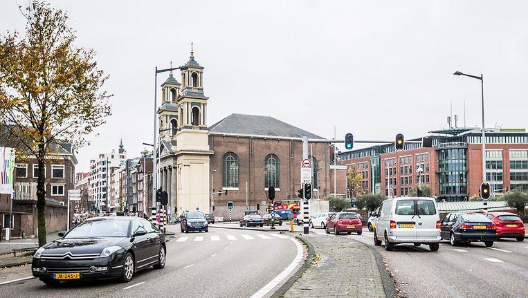 De omgeving van het Mr. Visserplein in Amsterdam is een van de plekken waar de luchtkwaliteit ondermaats is Beeld Eva Plevier