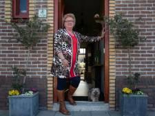 Radiostations steunen oproep van Jannie uit Urk om samen te zingen op straat: 'Een knipoog van God'