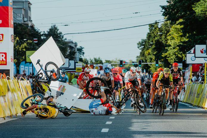 De horrorcrash in de Ronde van Polen.