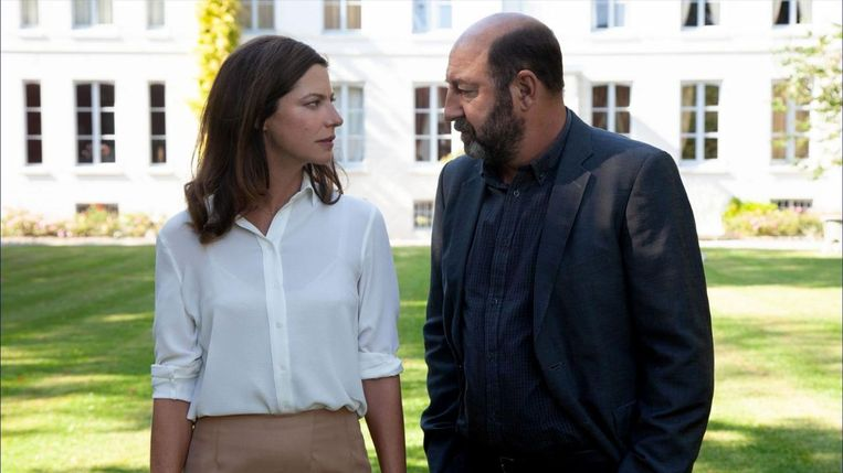 Anna Mouglalis (links) en Kad Merad in Baron Noir. Beeld