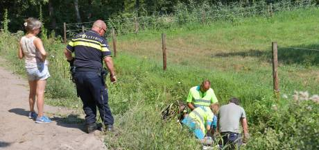 Man ligt ruim een uur in een sloot tussen Geldrop en Heeze na ongeluk met zijn scootmobiel