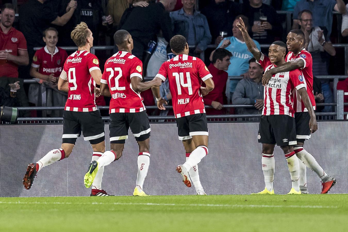 PSV won zaterdag met 6-1 van Willem II.