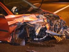 Automobilist raakt van de weg en rijdt tegen vangrail op A59 Waalwijk