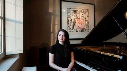 Marie luisterde al naar Beethoven in de baarmoeder: klassieke pianiste (25) stelt solo-album voor