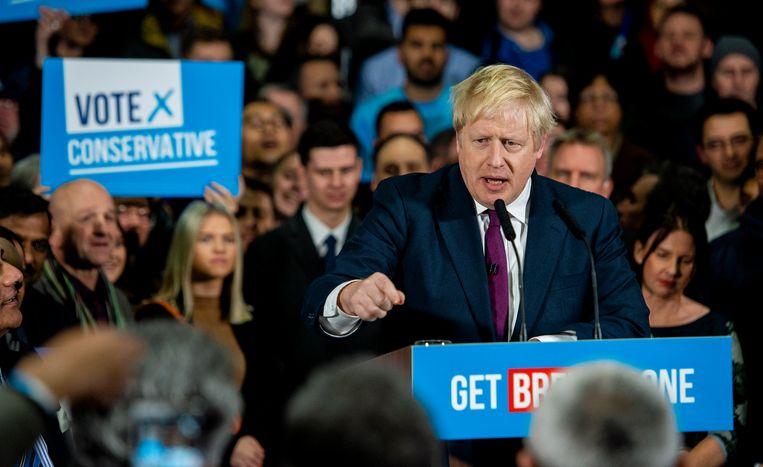 De Britse premier Johnson tijdens een verkiezingsrally.