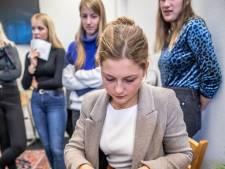 Verjaardag vieren of toch maar niet? Zwolse studenten ervaren armoede-dilemma's in 'beleefhuis'
